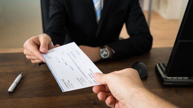 monotributistas-impuesto-cheque